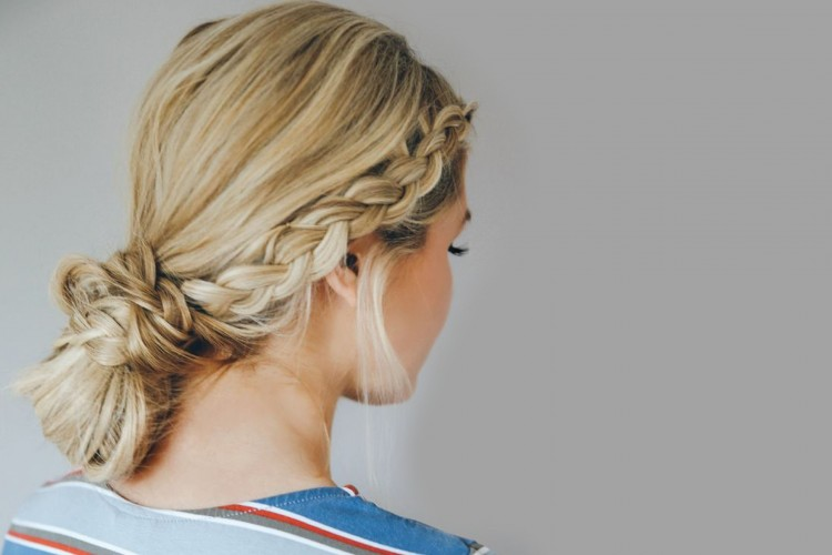 Kepangan Cantik Double Dutch Low Bun Untuk Rambut Panjangmu