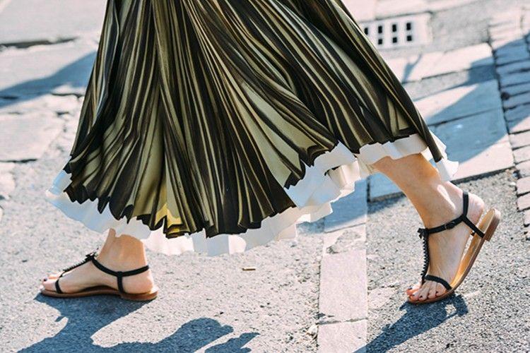Hei Flats Lovers, Perhatikan 3 Hal Bahayanya Memakai Flats