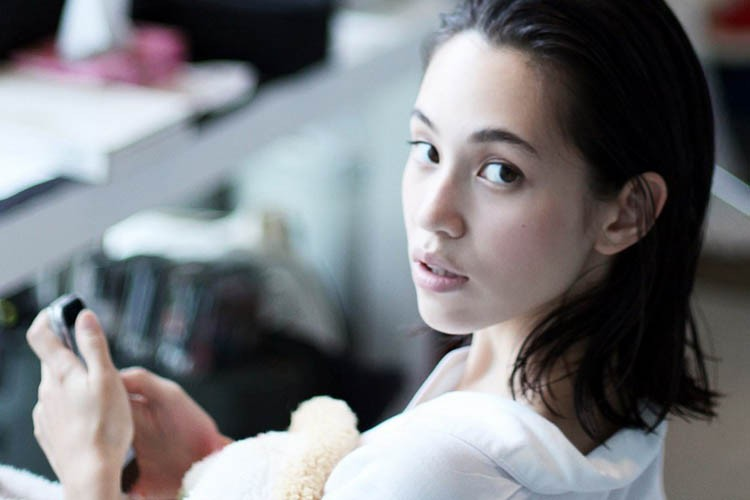 Ungkap Rahasia Kulit Mulus Tanpa Bulu Ala Supermodel Kiko Mizuhara