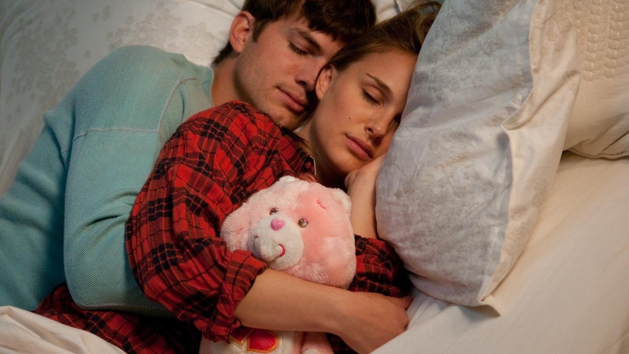 10 Alasan Kekasih yang Cuek Justru Bikin Makin Cinta