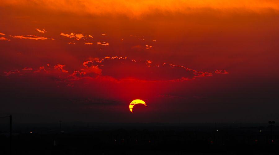 Bukan Sekadar Kekinian, tapi Ini Alasannya Kamu dan Pacar Harus Nonton Gerhana Matahari Tahun Ini
