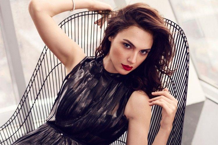 Ini Dia Ketangkasan Gal Gadot, Aktris Cantik Pemeran Wonder Woman, dalam Kehidupan Nyata!