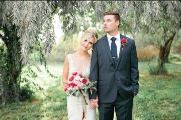 Inspirasi Gaya Foto Pernikahan yang Bisa Ditiru Buat Kamu yang Jarang Foto