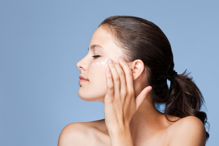 Hanya Dalam Sekejap Makeup Terhapus Bersih dengan Micellar Water
