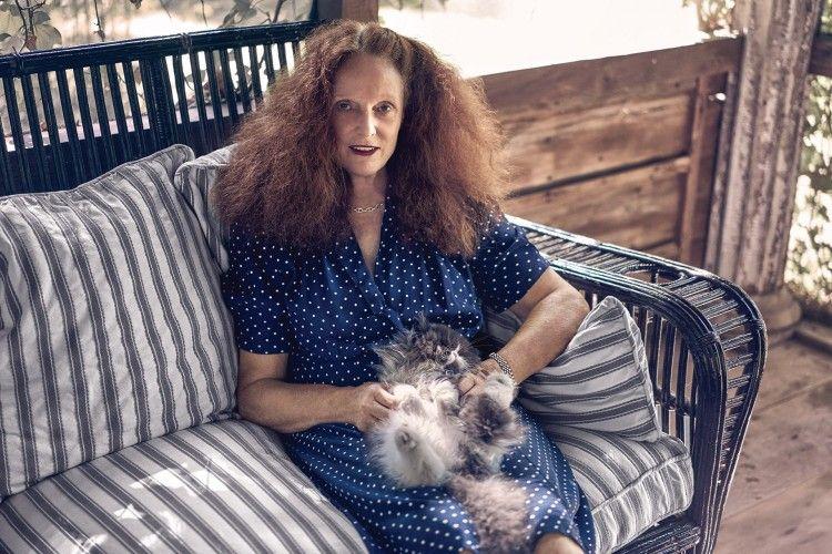 Mantan Creative Director Vogue Meluncurkan Parfum Barunya yang Seperti Kucing!