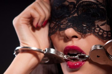 7 Sex Games Seru untuk Momen Bercinta yang Semakin Intim!