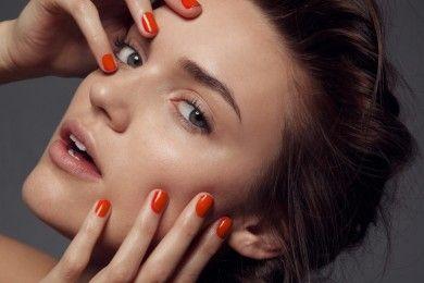 8 Skincare untuk Wajah Tampak Lebih Muda Setelah Bangun Tidur