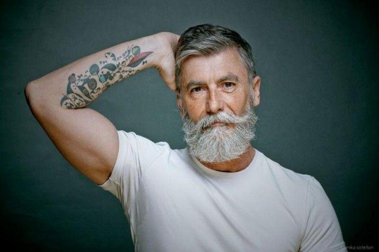 Meski telah berusia 60 Tahun, Pria Ini Memilih untuk Menjadi Model