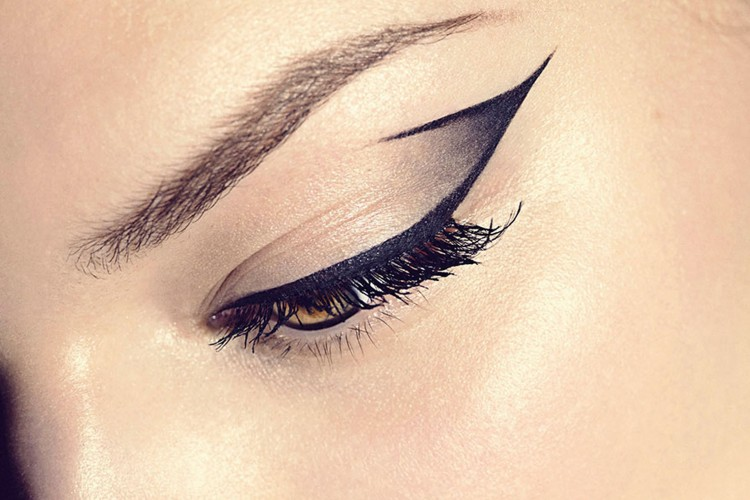 Lima Produk Eyeliner di bawah IDR 100,000 yang Wajib Kamu Coba