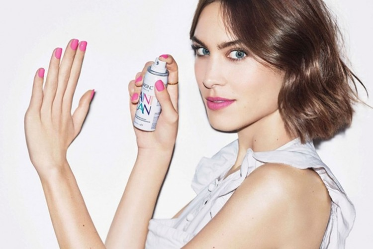 Revolusi Baru Menggunakan Nail Polish dengan Cara Spray! Penasaran?