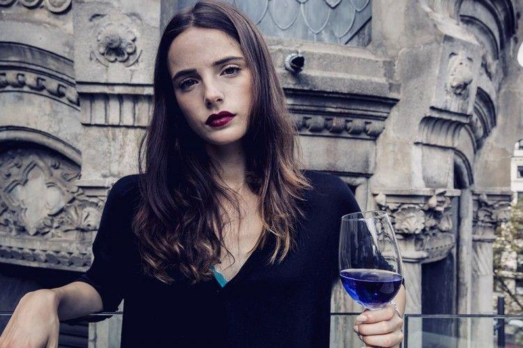 Keren! Perusahaan Startup Ini Perkenalkan Wine Berwarna Biru Pertama di Dunia