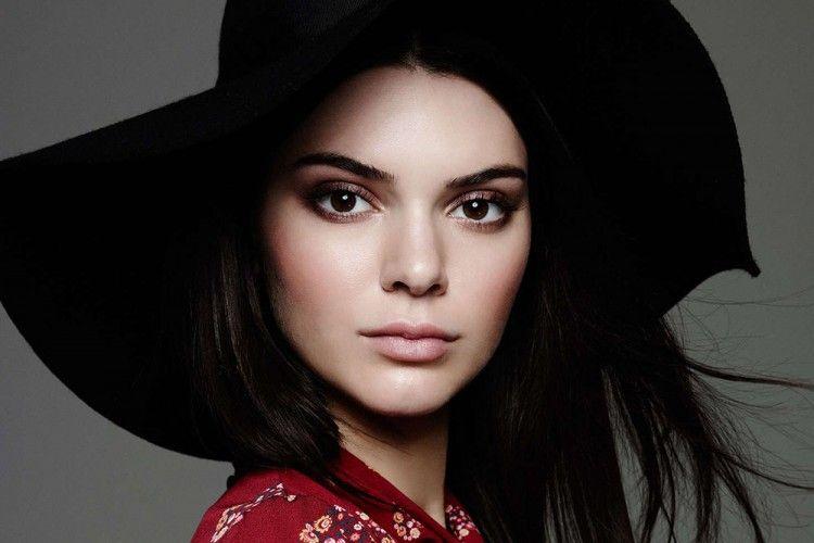 Kendall Jenner Angkat Bicara tentang Hinaan yang Ditujukan Kepadanya dan Gigi Hadid