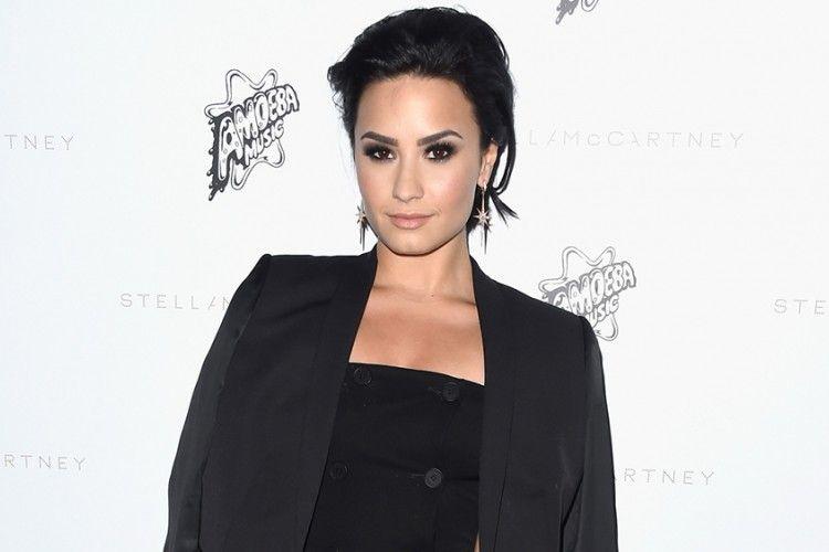 Minim Pengetahuan tentang Isu Terkini, Demi Lovato Menyindir Generasi Muda Lewat Twitter