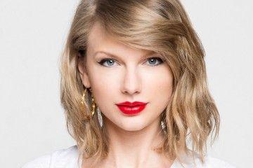 Bersama Kekasih dan Para Bintang Hollywood, Taylor Swift Merayakan Hari Kemerdekaan di Pantai