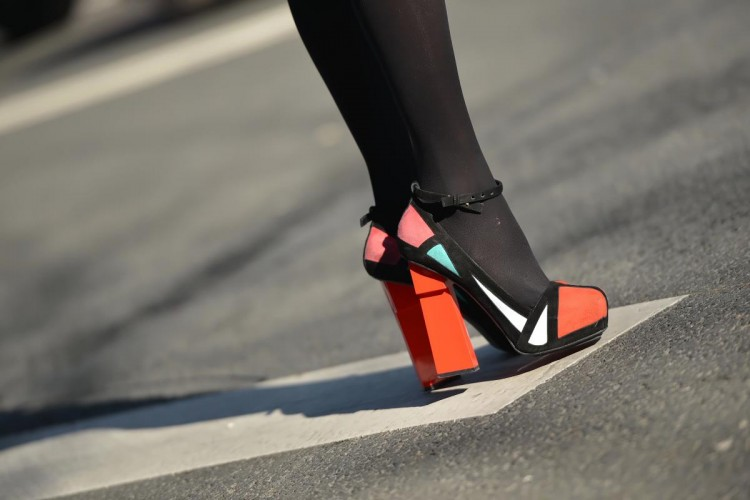 Ini Jenis Sepatu yang Cocok Buat Skinny Jeans Kamu