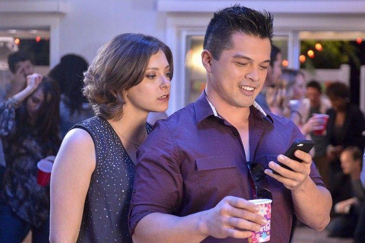 Waduh! Inilah 5 Hal yang Dialami Orang yang Hobi Mengumbar Kemesraan di Media Sosial