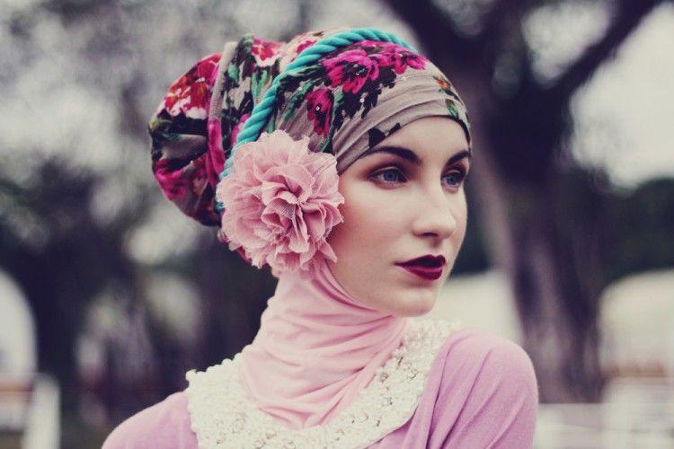 Tutorial Hijab Pashmina Syar'i Versi Popbela