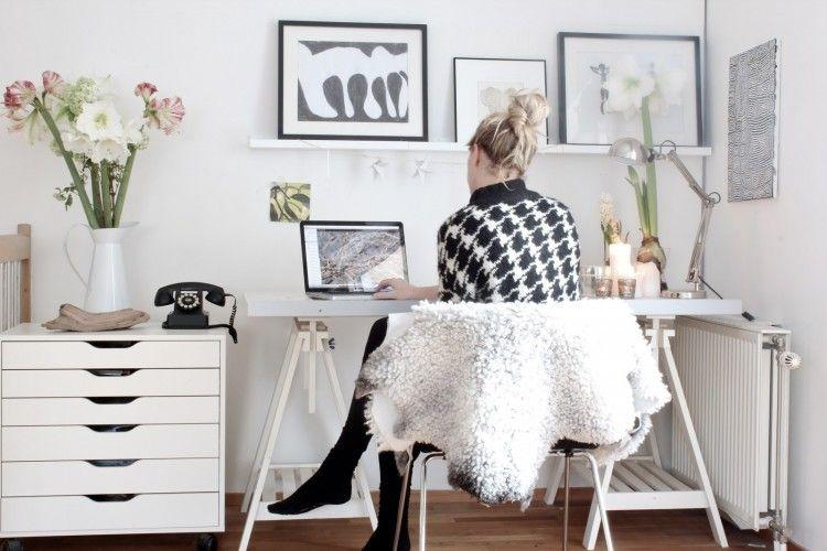 Bekerja di Rumah dengan Jam Kerja Nine to Five, 5 Manfaat ini Akan Kamu Dapat