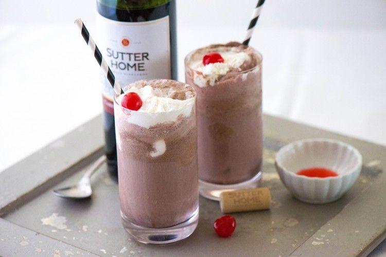 Intip Resep Unik Dan Menyegarkan Wine Ice Cream Floats.