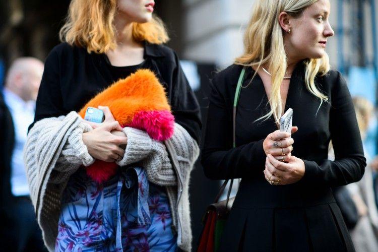 Fashion Hacks: 5 Tips Mudah untuk Menjaga Pakaianmu Tetap dalam Kondisi Baik
