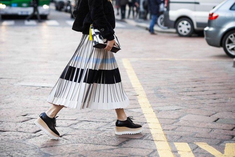Inilah Trend Fashion Pleats yang Bisa Menjadi Inspirasi Kamu
