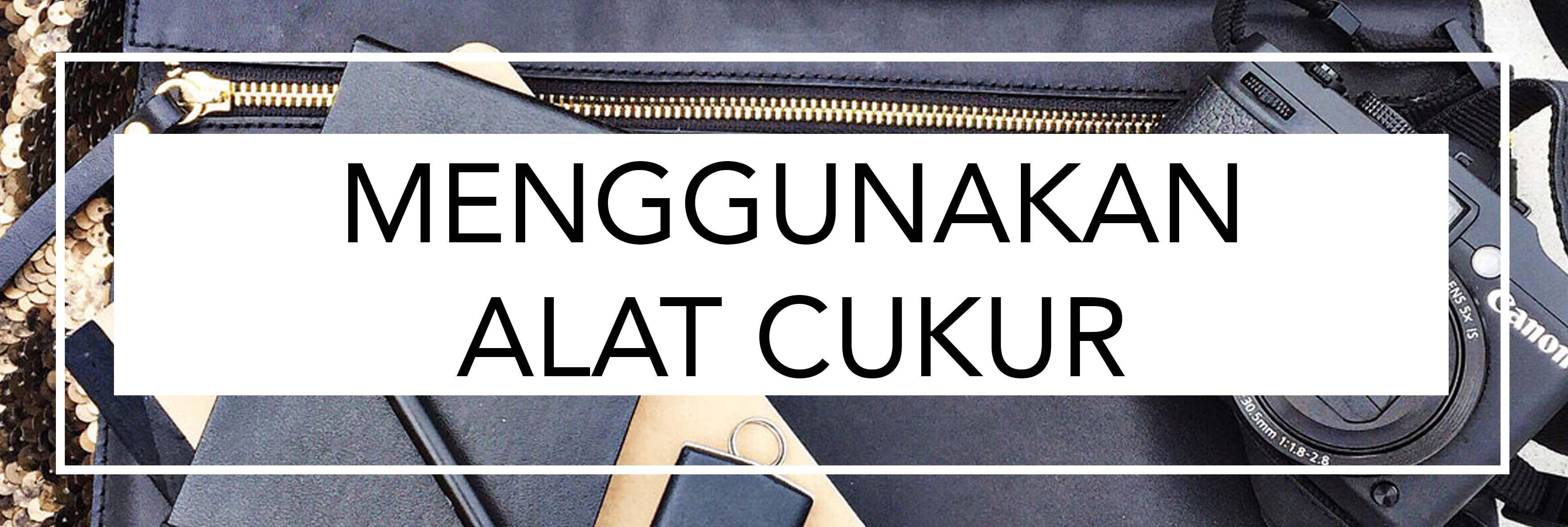 Simak 4 Tips Praktis MembersihkanBaju Hitam dari Debu!