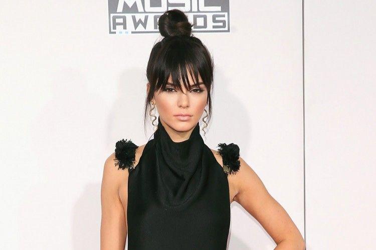 Cara Mudah Membuat Top Knot ala Kendal Jenner, Intip Yuk!