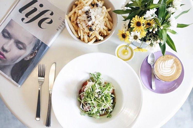 Nggak Hanya Sarapan, Inilah 5 Hal Kenapa Kamu Nggak Boleh Meremehkan Makan Siang di Kantor