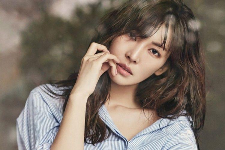 Meski Sudah Berusia 36 Tahun, Kim So Yeon Tetap Awet Muda! Ini Dia Rahasia Kecantikannya