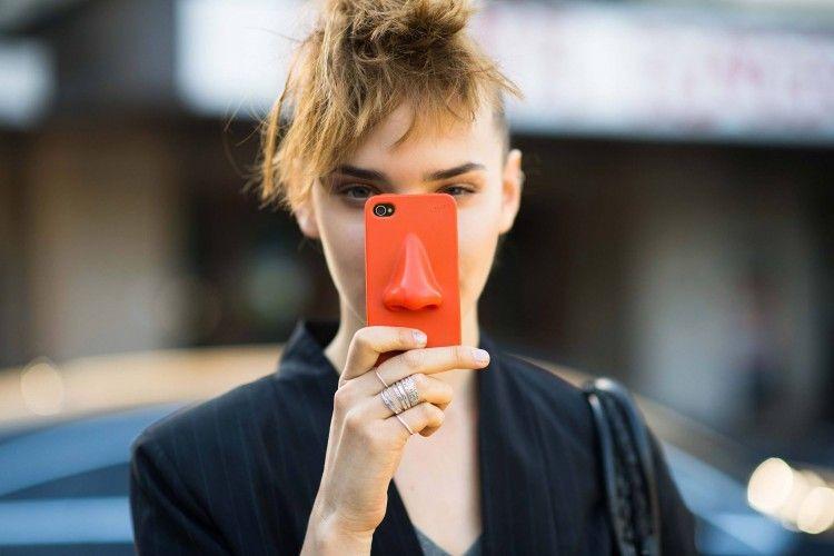 Merk Handphone yang Kamu Punya Ternyata Mencerminkan Kepribadianmu Lho!