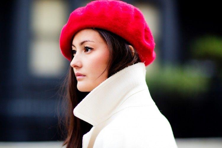 Tampil Effortlessly Chic Dengan Topi Baret