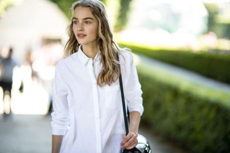 Tips dan Trik Membuat Bra Tidak Tembus Pandang Saat Memakai Baju Putih