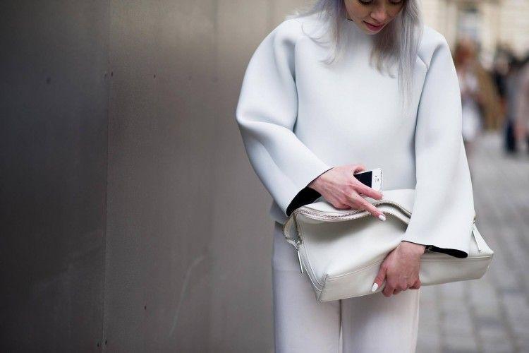 Intip 4 Tips Cara Mencuci Pakaian Berwarna Putih Agar Tetap Cerah!