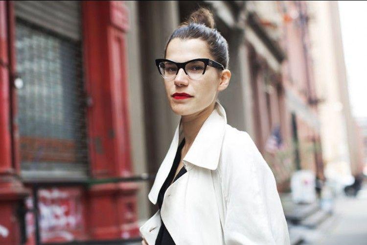 Terlihat Elevate Dan Striking Dengan Bantuan Kacamata Favorit