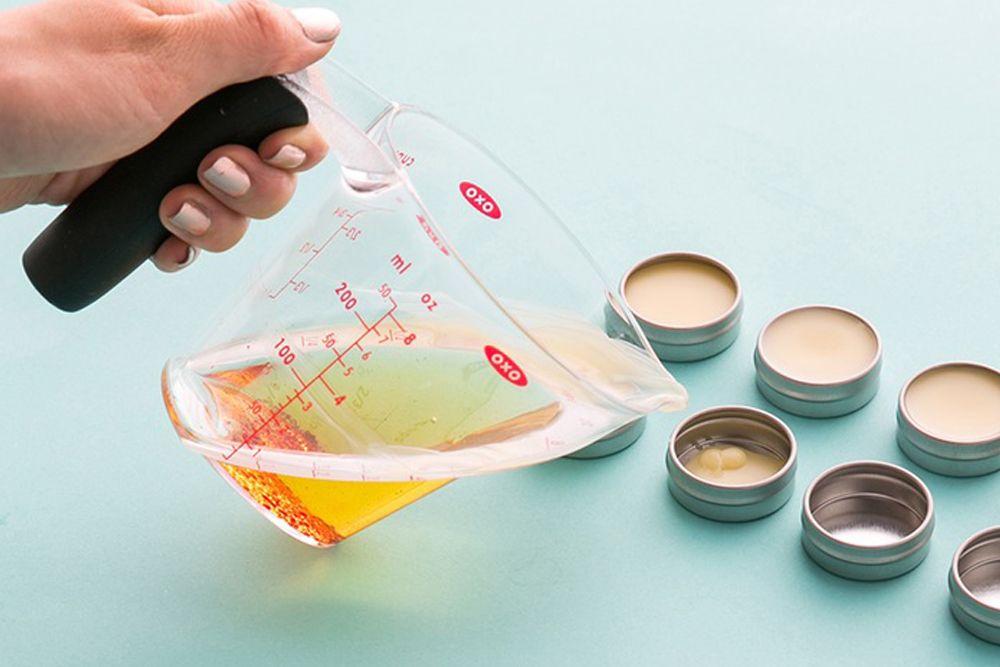 DIY Mudah dan Simpel Membuat Peppermint Lip Balm Andalan Popbela