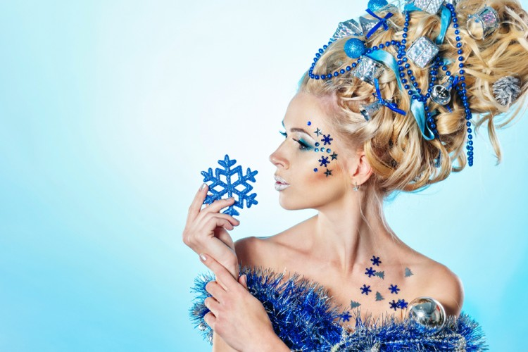 Tren Baru: Christmas Tree Hair untuk Gaya Rambut Natal Ini