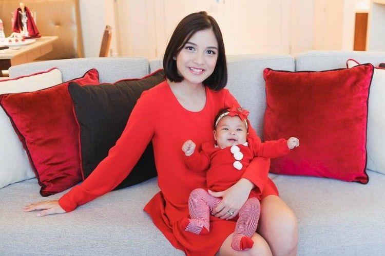Nggak Hanya Chelsea Olivia, Setiap Ibu Baru Pasti Merasakan 5 Hal Mengharukan Ini