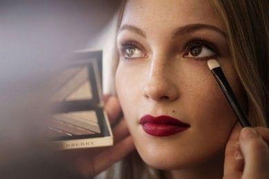 Exclusive dari Martina Fink: Rambut, Makeup, Pakaian dan Pohon Natal!