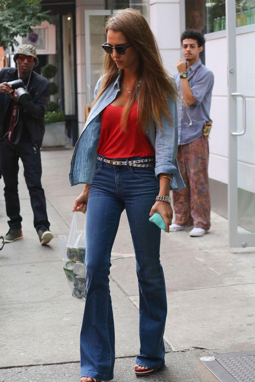 Trending! Intip Mix N Match Bell Bottom Jeans Di Sini