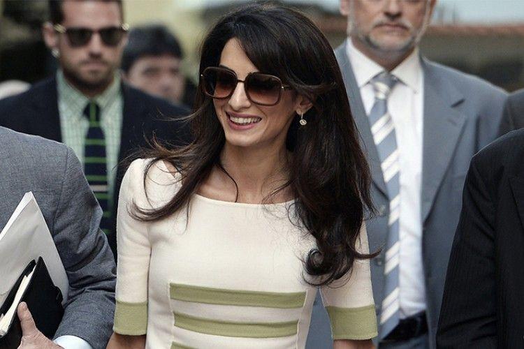 Inspirasi Gaya Ke Kantor yang Modis ala Amal Clooney