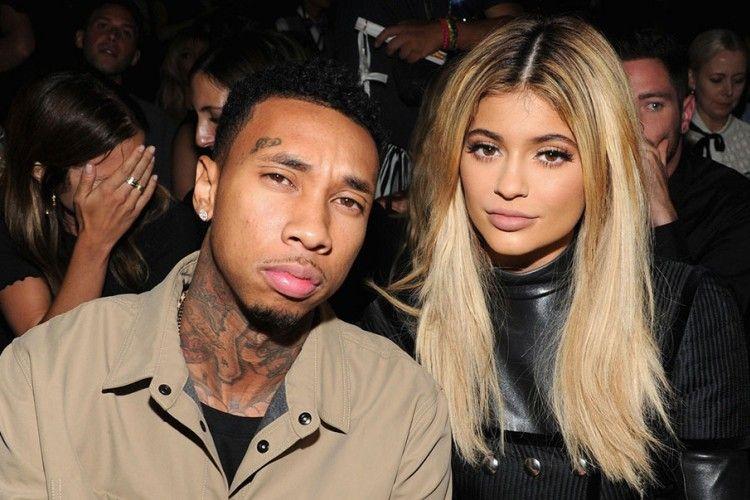 Selain Kylie Jenner dan Tyga, Para Seleb Ini Juga Dikabarkan Menikah Diam-diam