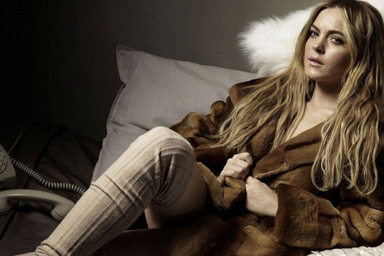 """Lindsay Lohan Tulis """"Alaikum Salam"""", Apakah Karena Jalani Program Amal di Timur Tengah?"""