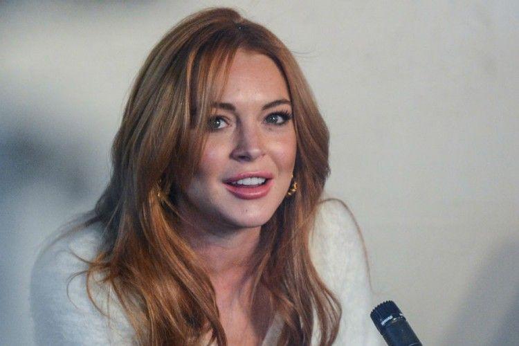 Terjawab! Ibu Lindsay Lohan Bocorkan Keyakinan Putrinya Saat Ini