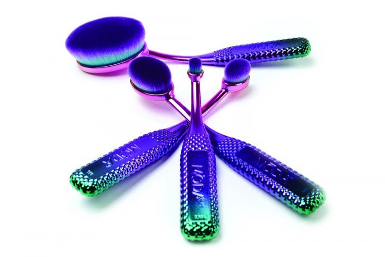 Makeup Brush yang Satu Ini Wajib Ada Dalam Tas Makeupmu!