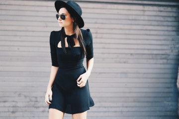 5 Trik Agar Dress Hitammu Nggak Terlihat Boring