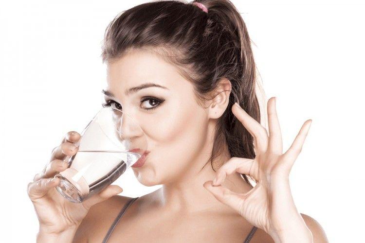 Ingin Hidup Sehat? Coba Rutin Minum Air Hangat dan Dapatkan 7 Manfaat Ini