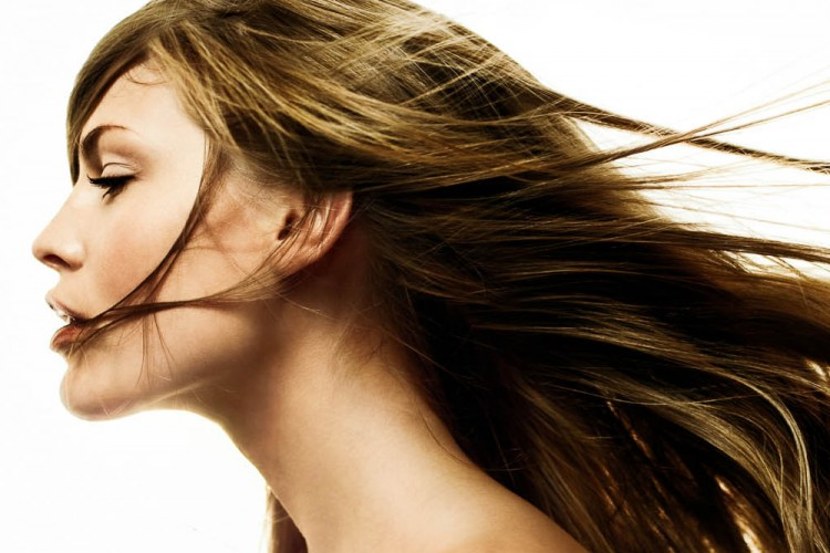 Atasi Permasalahan Rambut dengan Detoks Rambut Secara Alami