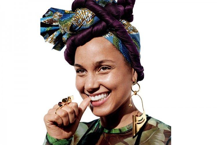 Percaya Diri Tampil Tanpa Makeup, Ternyata Ini Rahasia Penyanyi Alicia Keys