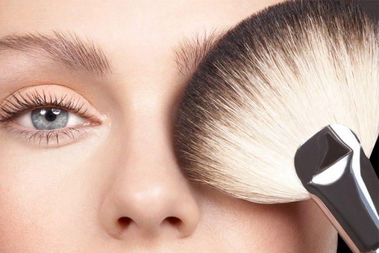 Tampil Kece dengan 5 Trik Makeup Mudah Ini Yuk!