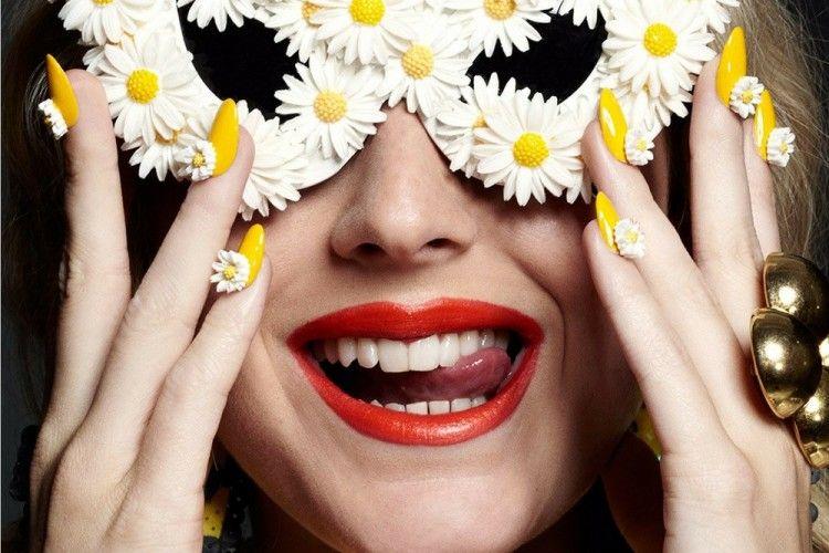 Kok Warna Gigi Nggak Bisa Putih Sih? Cari Tahu Alasannya Di Sini Yuk!